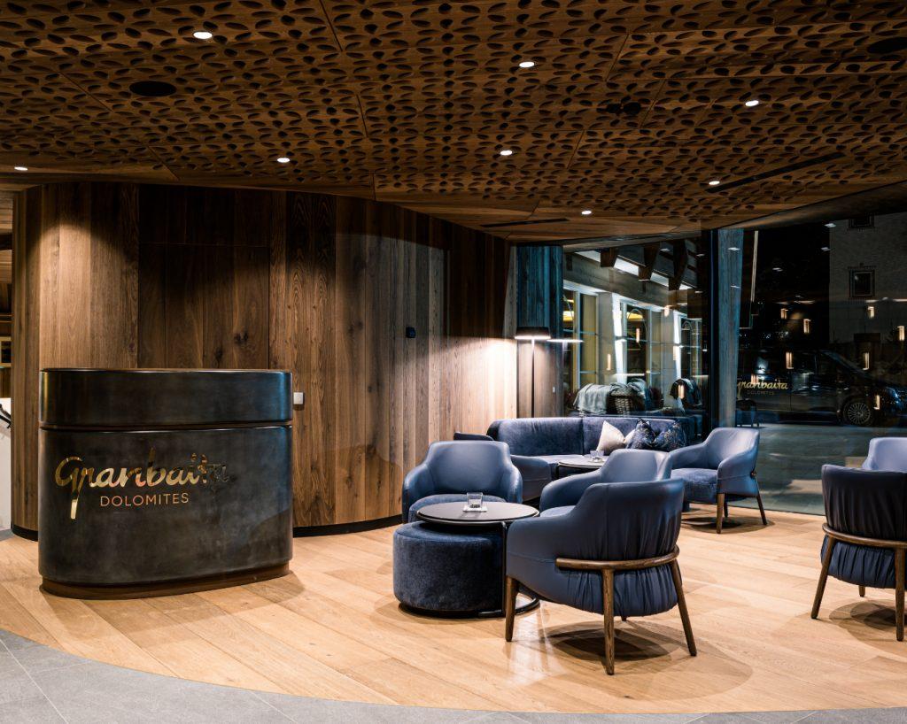 Trench lounge at Granbaita Hotel