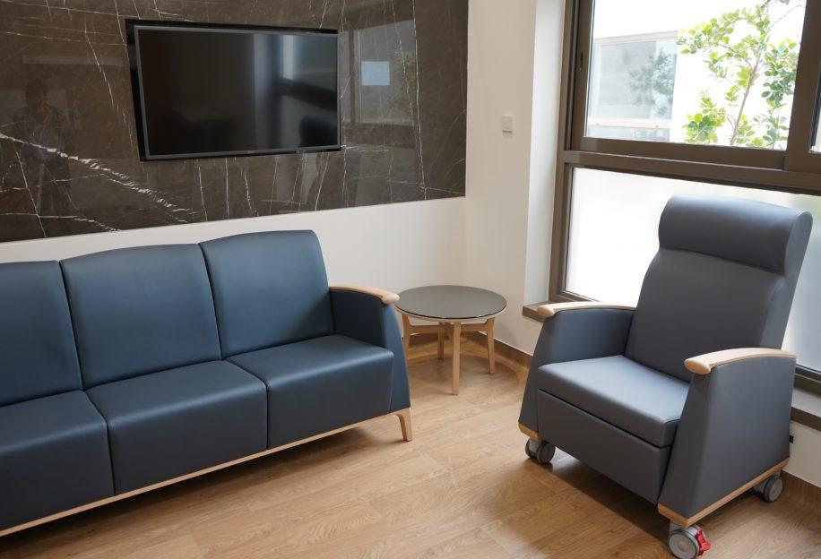 Mamy sofa and Mamy armchair with wheels furnish the Saudi German Hospital