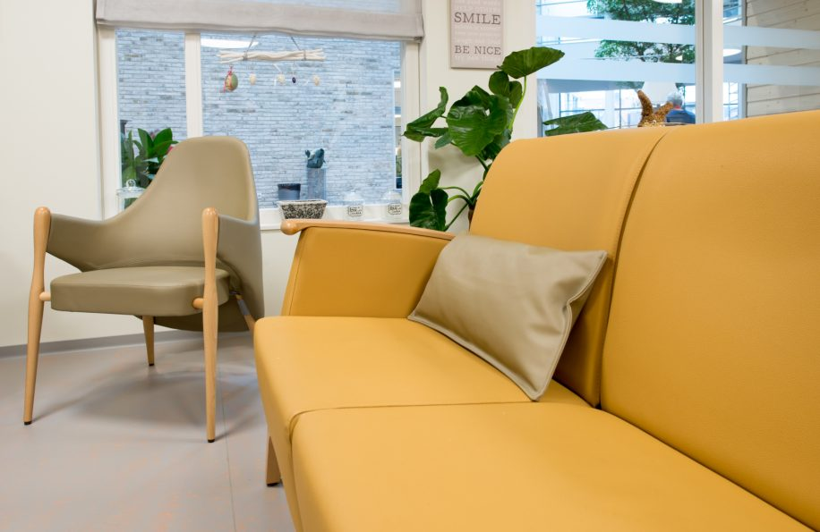 Liv armchair and Mamy sofa furnish the living space in Scheldehof